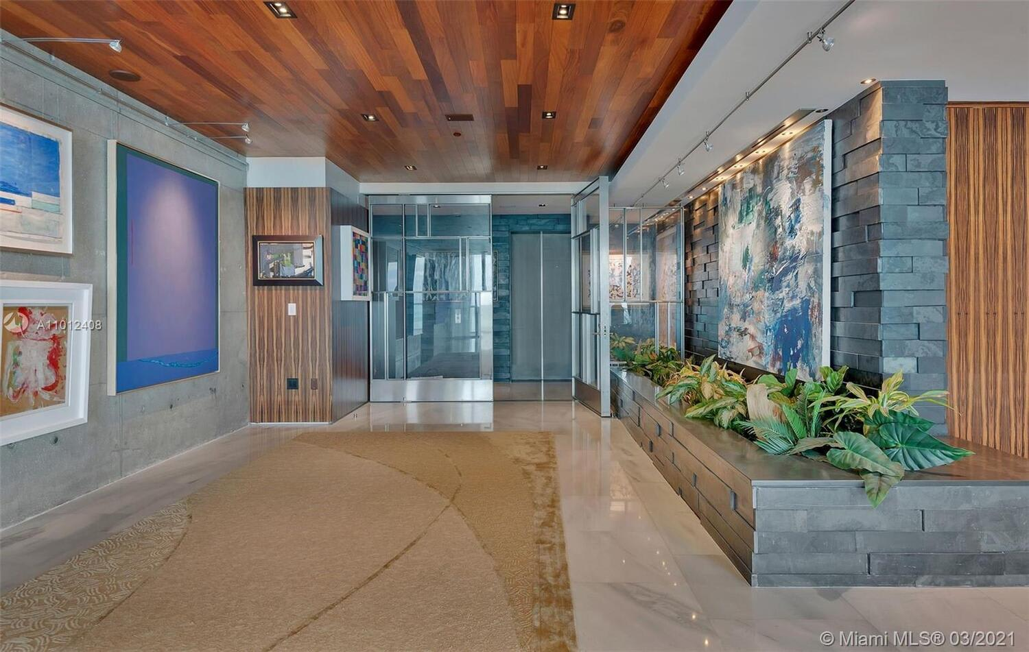 100 S Pointe Dr, #3602 photo
