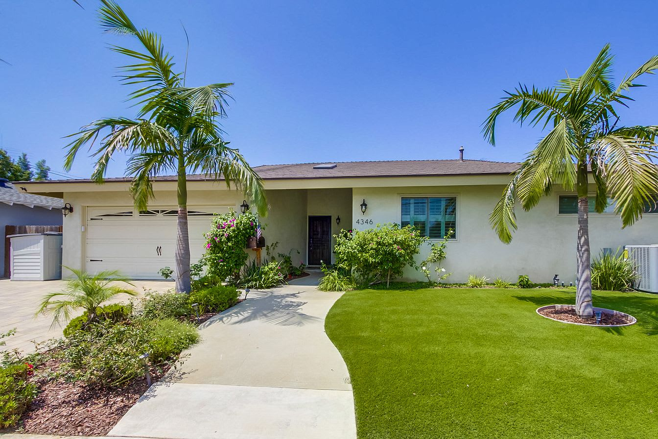 4346 Charger Blvd photo