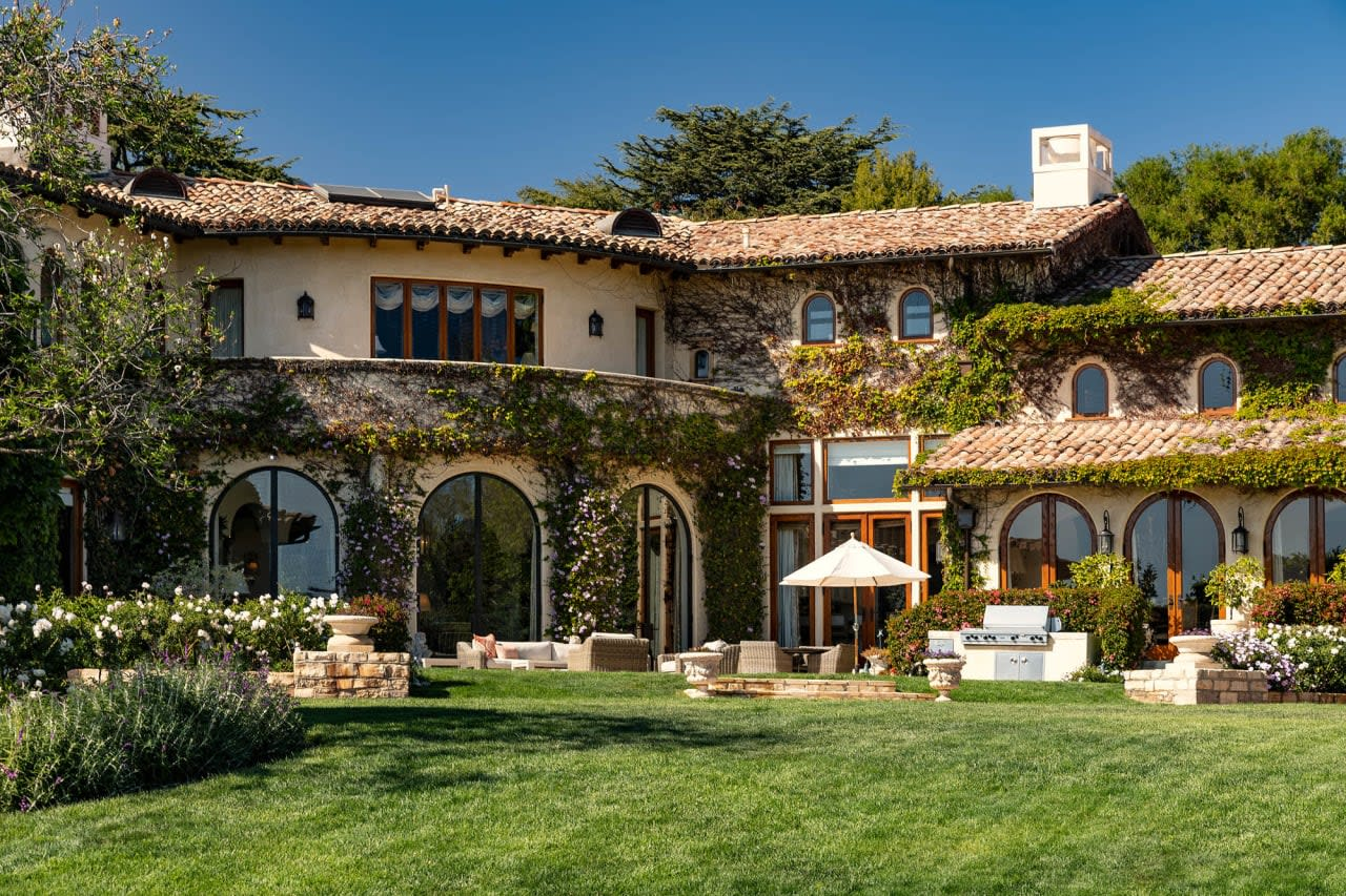 The Leonard Estate | 1550 Amalfi Drive, Pacific Palisades video preview