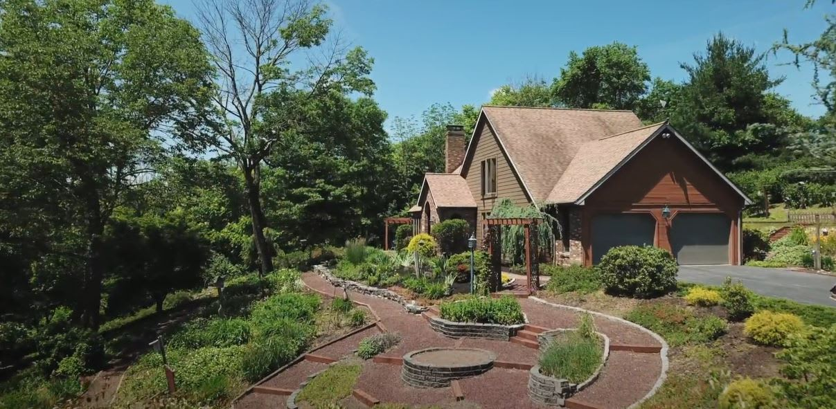 282 Crooked Hill Rd, Hummelstown PA video preview