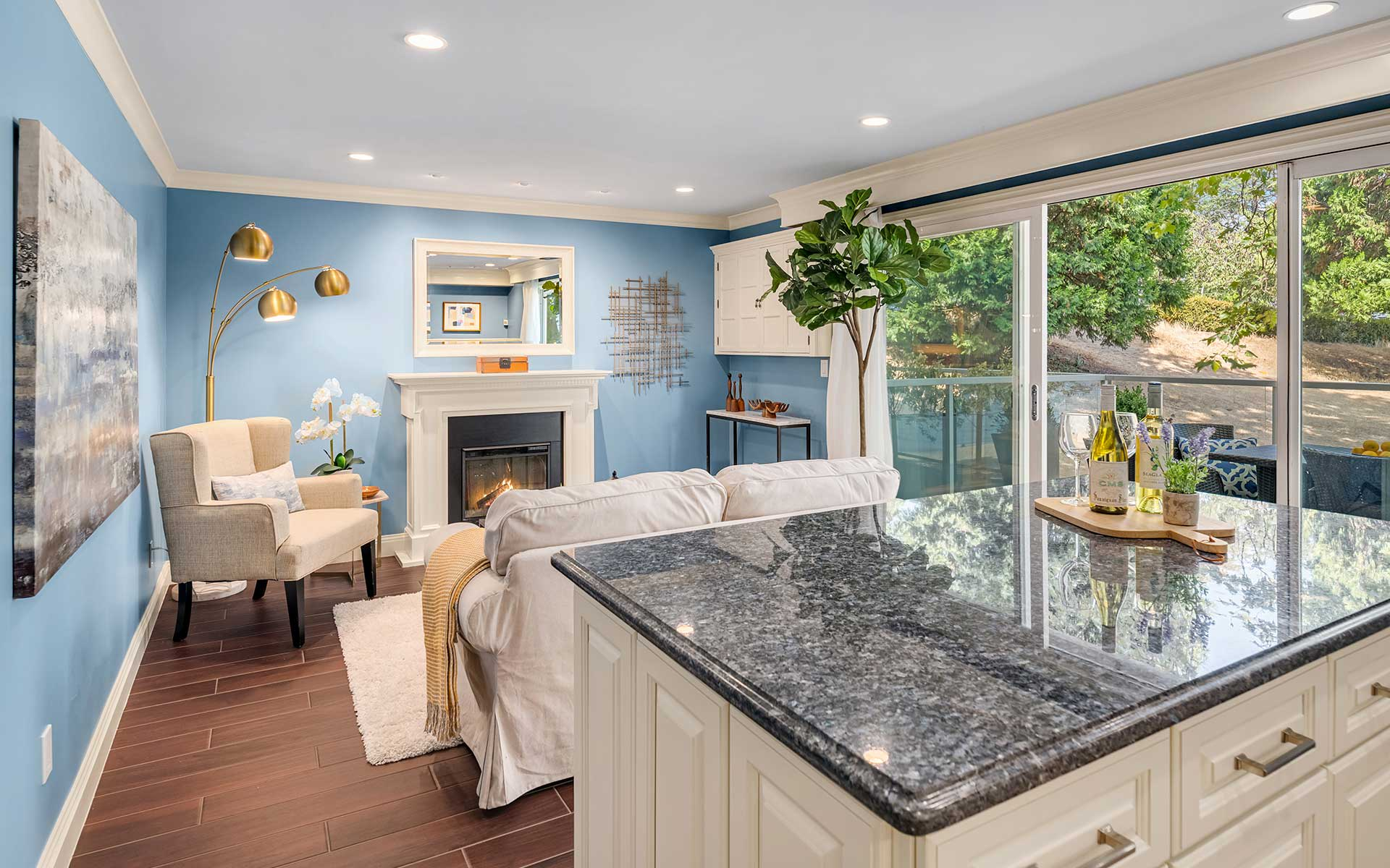 Charming Pied-à-Terre on the Beach in Madison Park photo