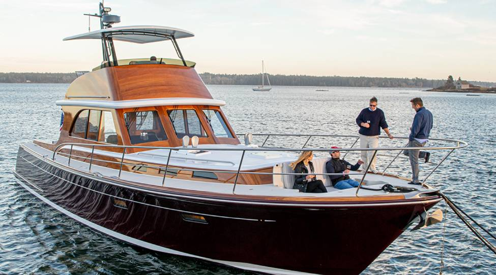 Classic Wooden Yachts: Design that Stands the Test of Time