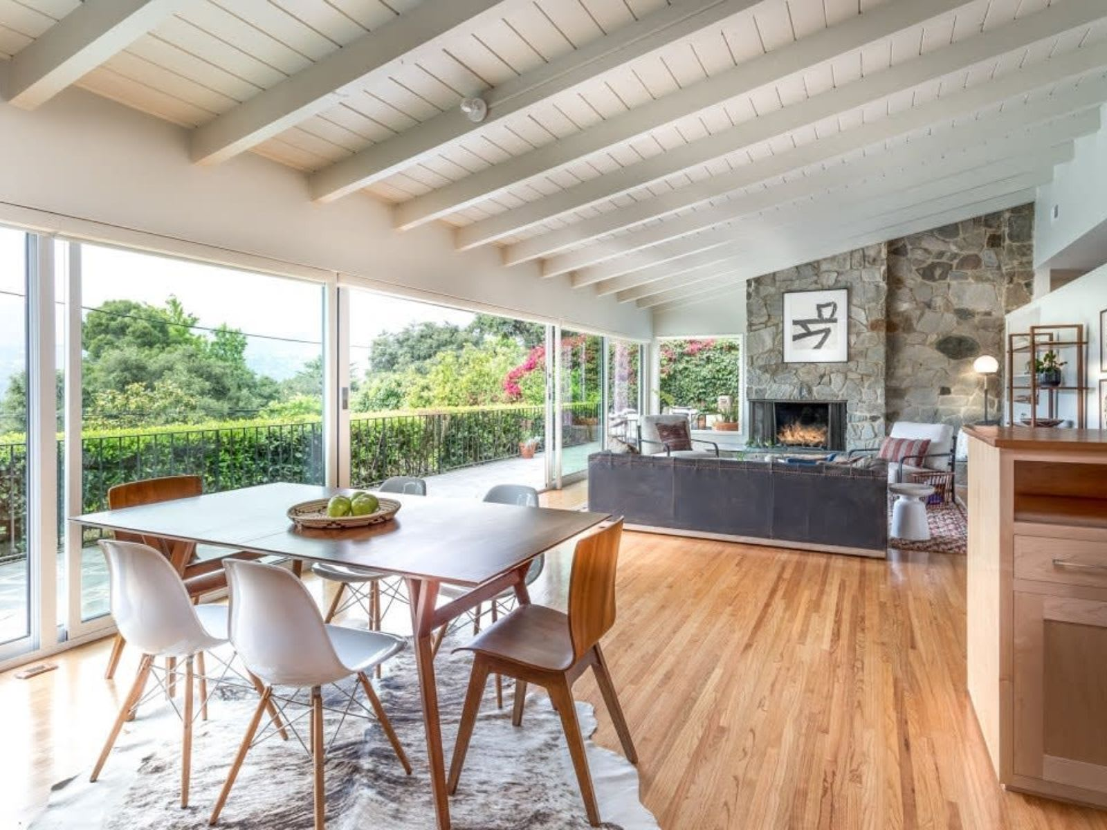 Stunning Mid-Century Modern with panoramic views | 959 Regent Park | La Canada video preview