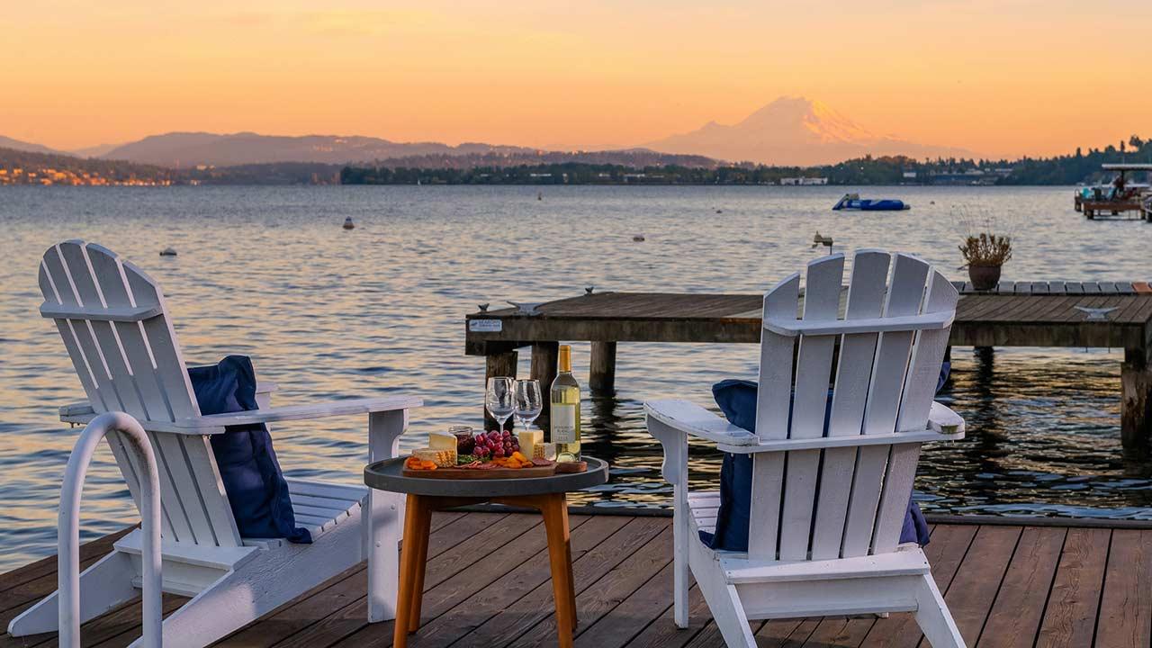 The Matthews Beach Lakeside Lifestyle Awaits video preview