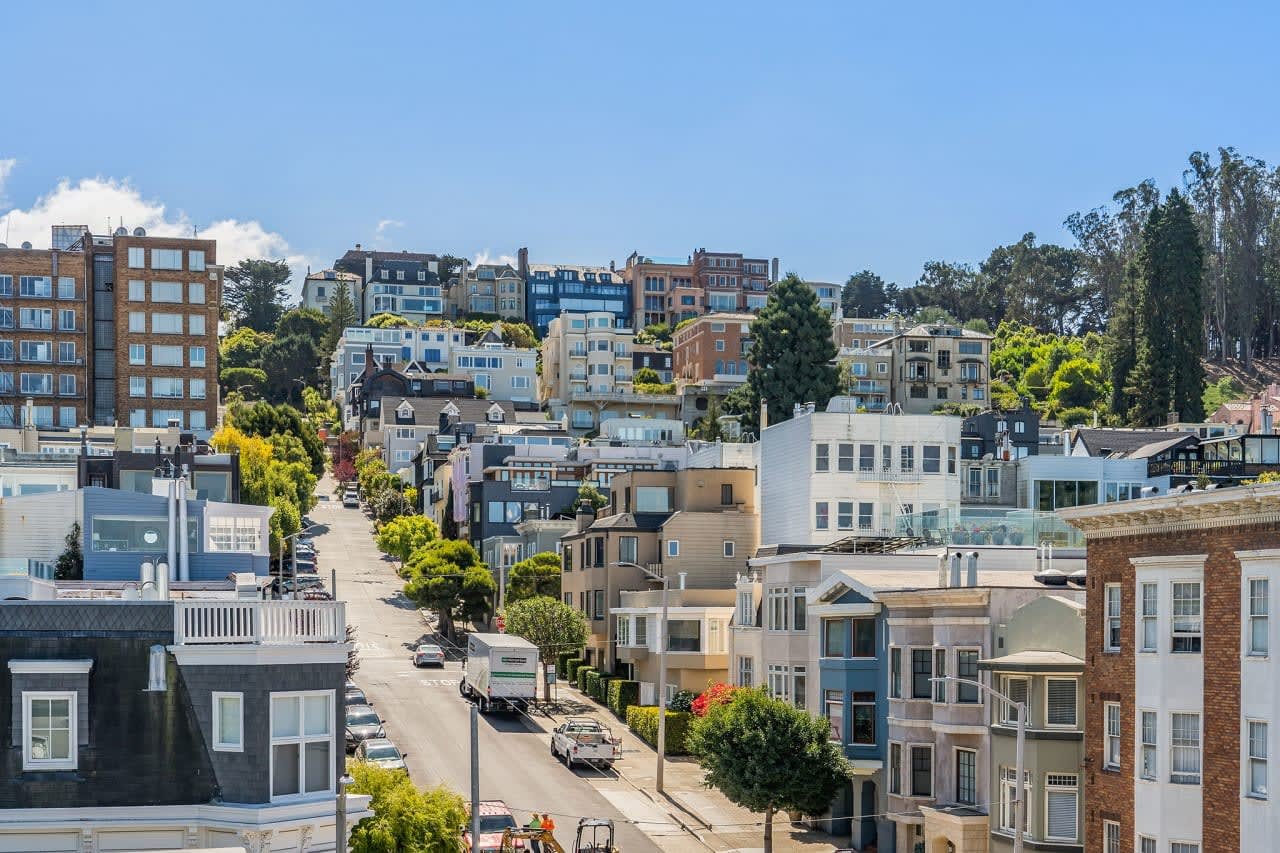 Cow Hollow photo