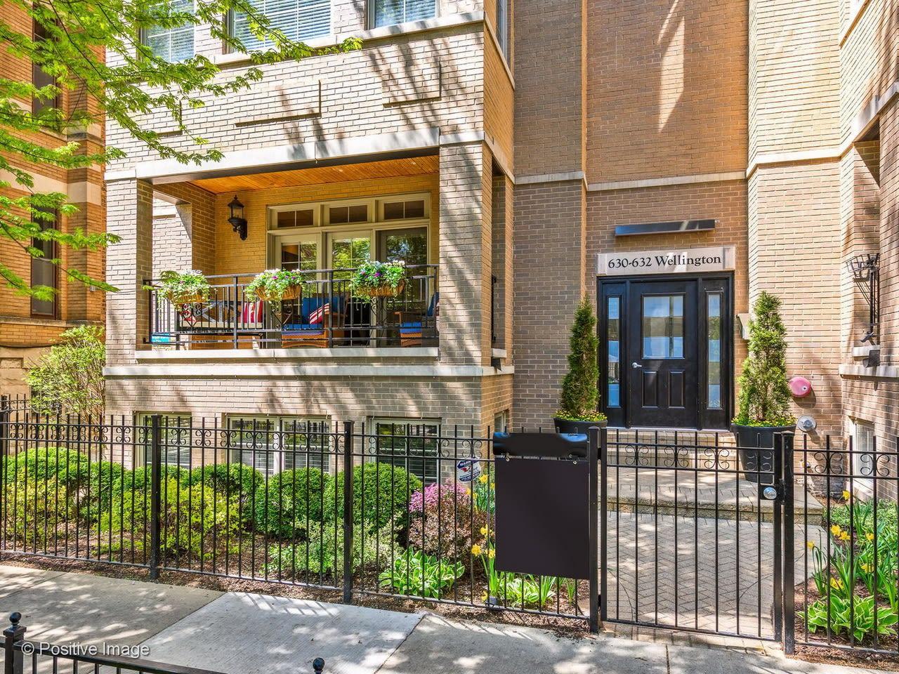 632 W Wellington Ave, #1W photo