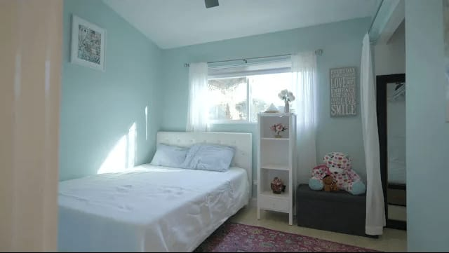 21870 Alamogordo Rd, Saugus CA video preview