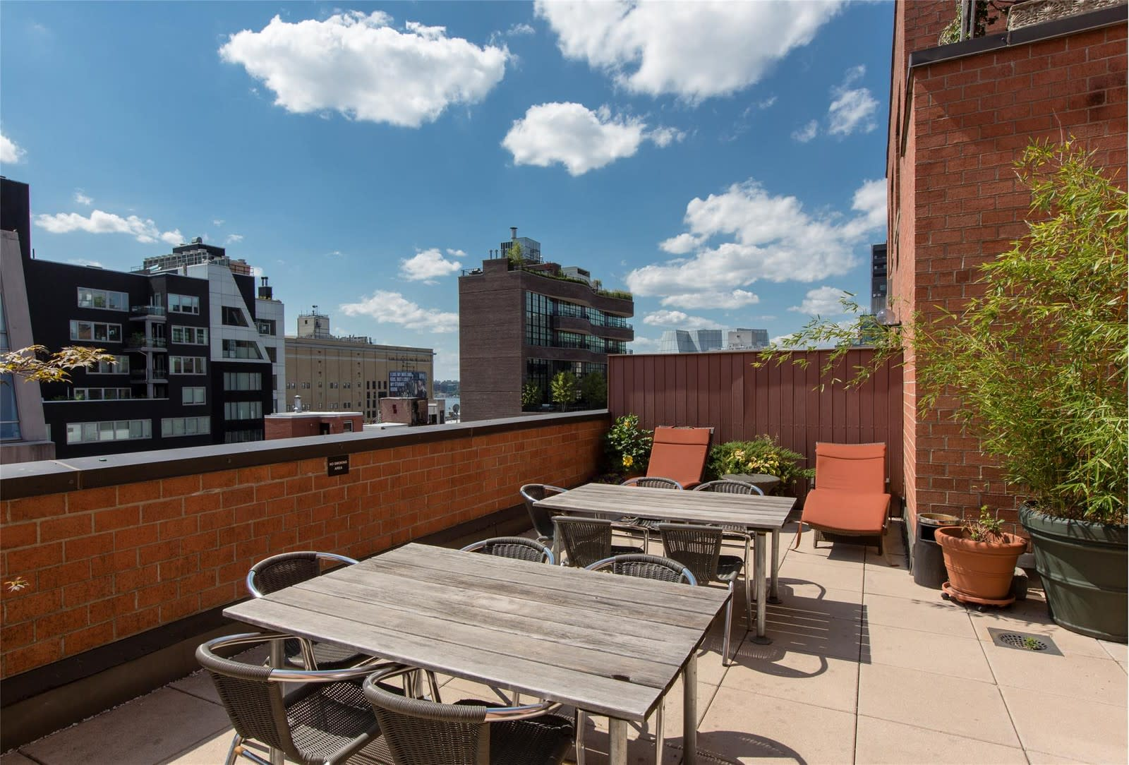 Beautifully Renovated One Bedroom in West Chelsea!
