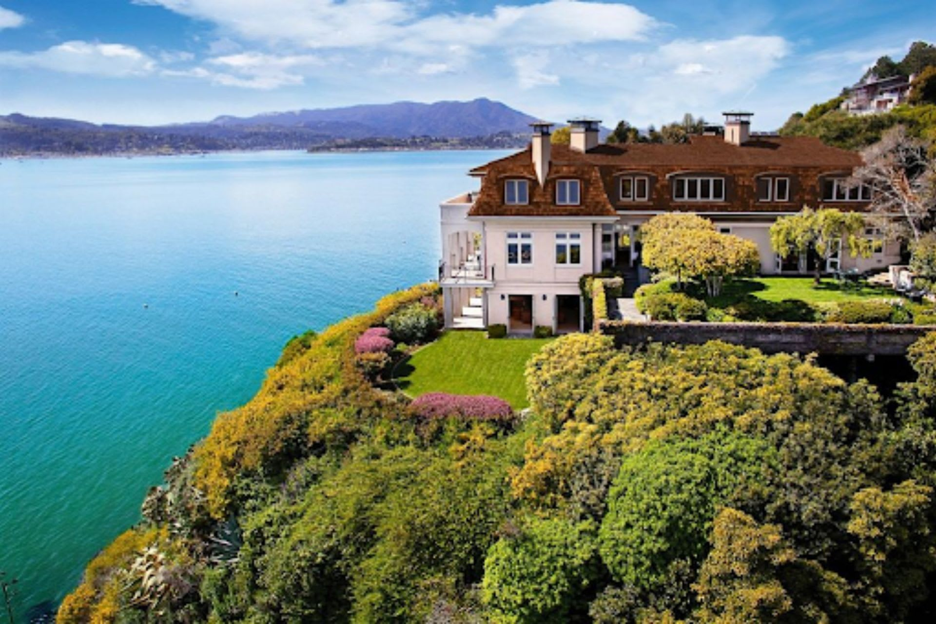 4 Things to Know Before Buying a Waterfront Property in Belvedere