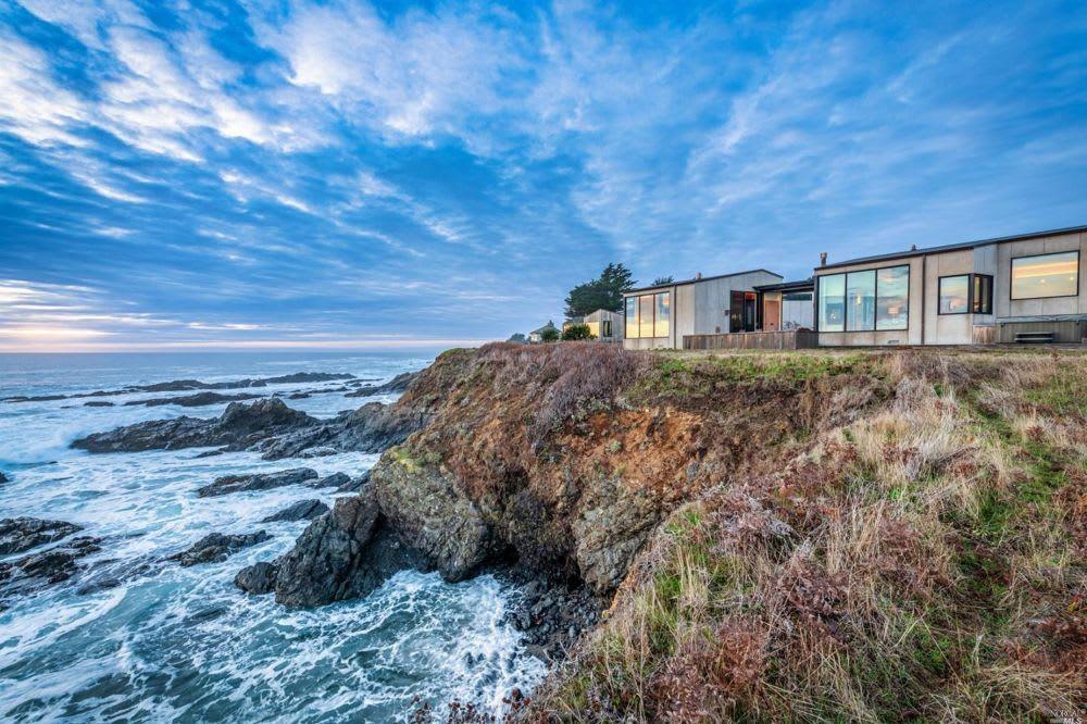 3 Reasons to Buy Coastal Land
