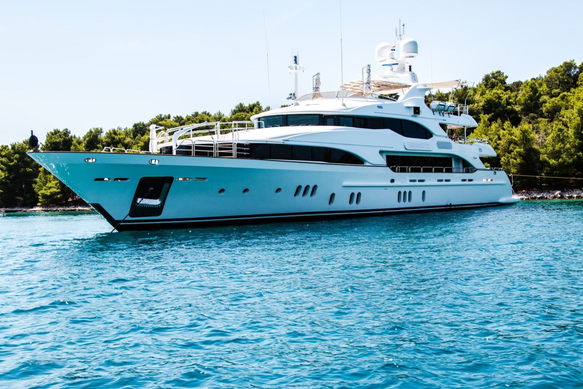 10 Tips for Choosing the Right Yacht for You