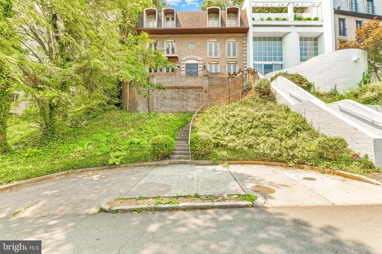 2128 Cathedral Ave NW - Buyer Represented