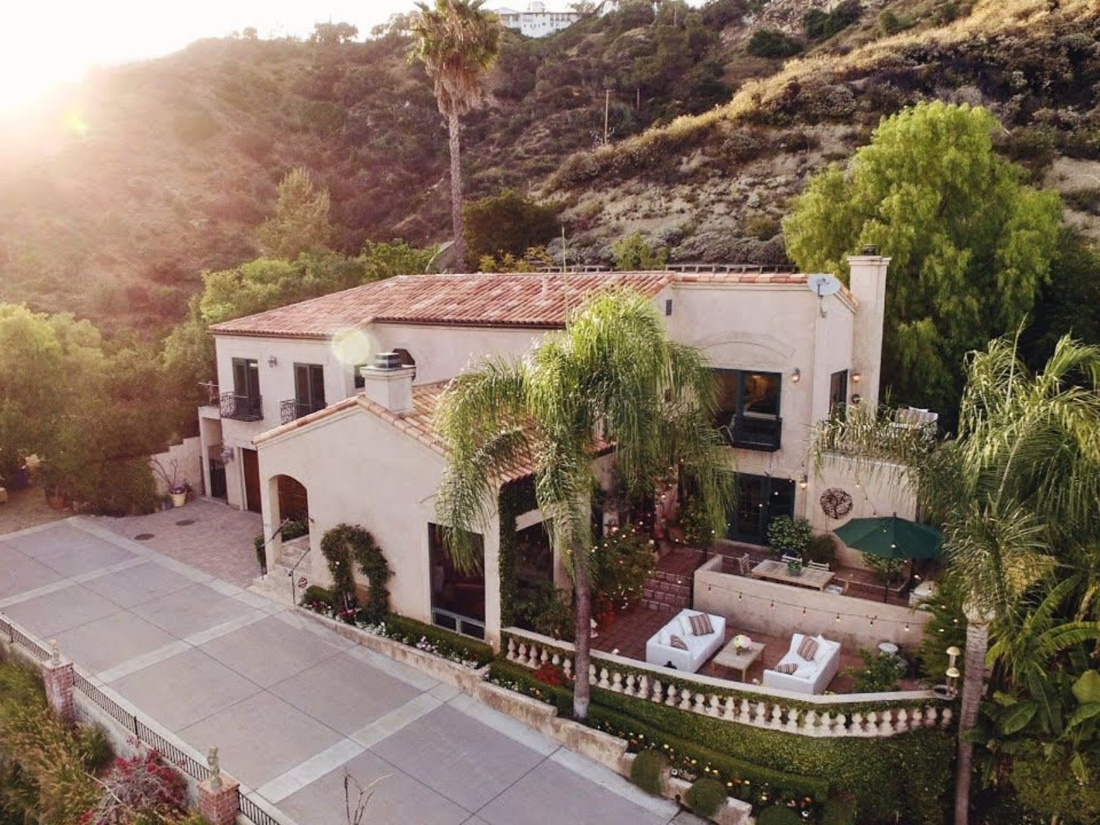 View Property - 1411 Edgehill Pl, Pasadena California video preview