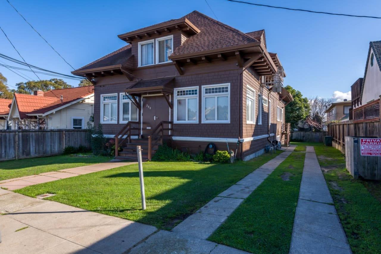 208 San Diego Ave