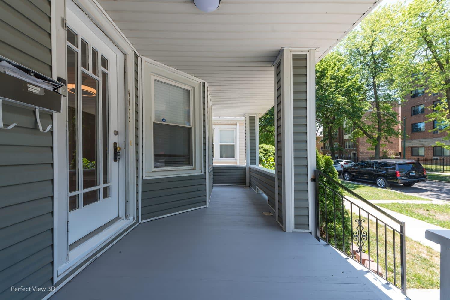 4433 N Harding Ave photo