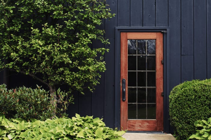 Preparing the Outside of Your Home for Showings image
