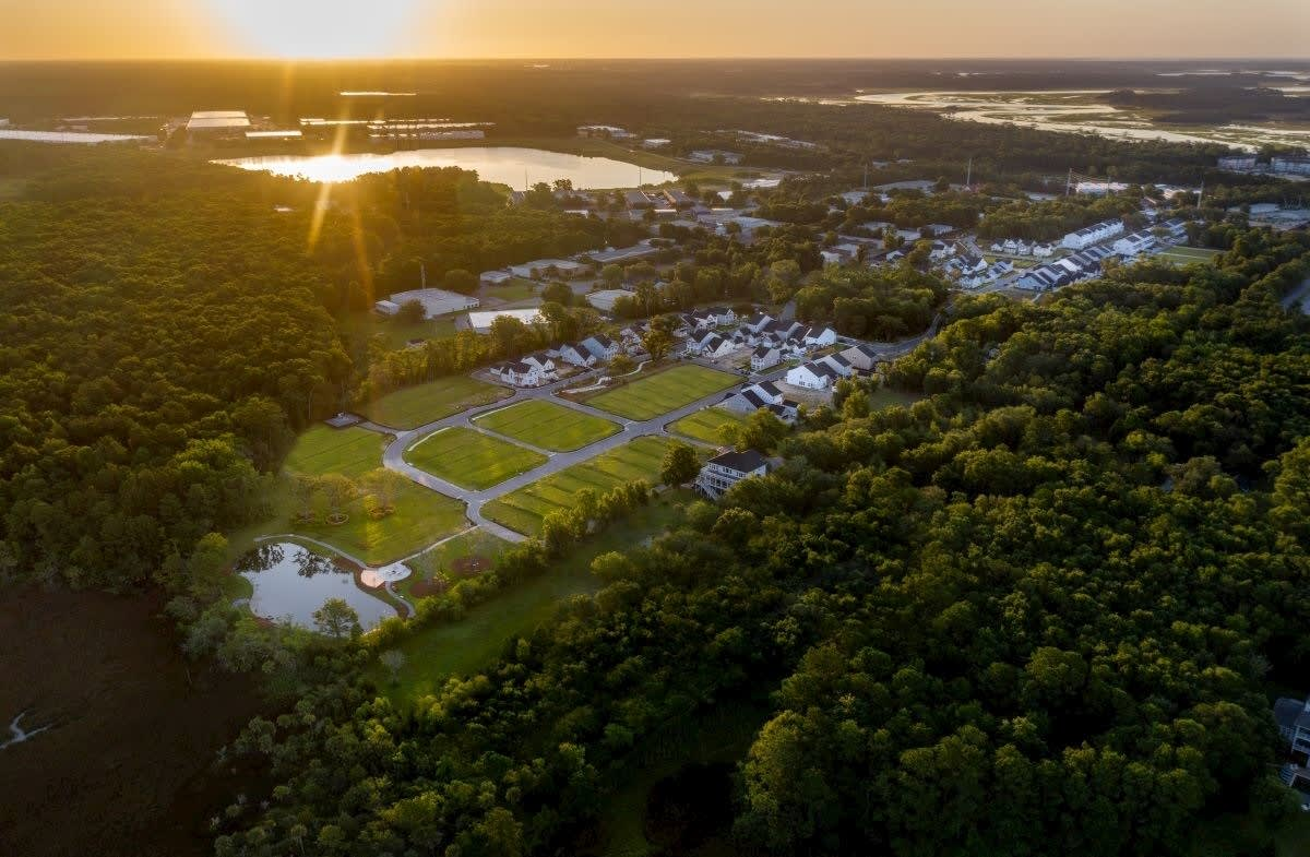 Featured Community - The Marshes at Cooper River