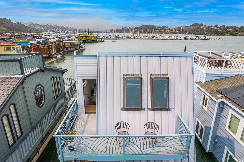 43 Issaquah Dock photo