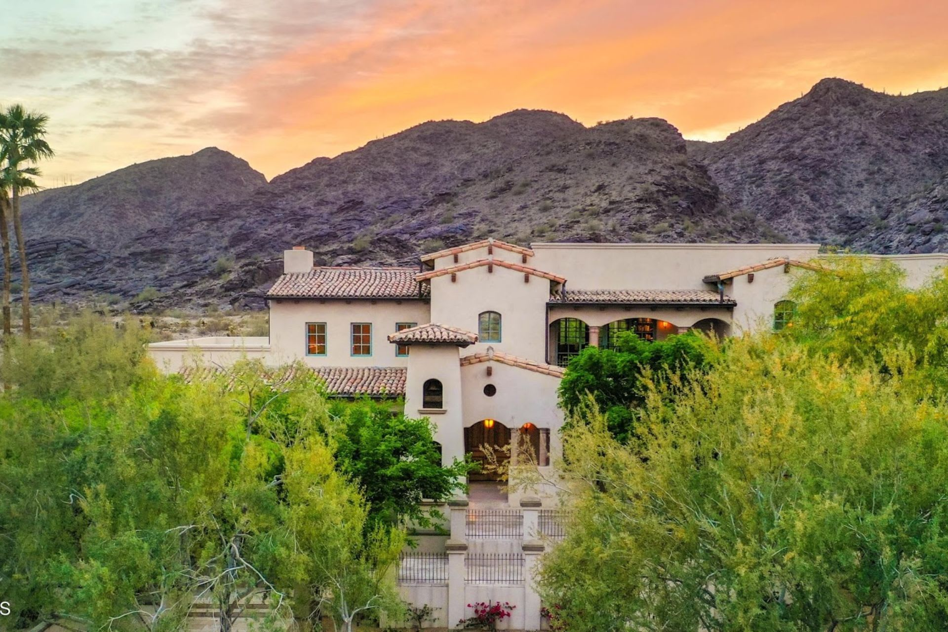 The Benefits of Listing Your Home With An Ahwatukee Realtor