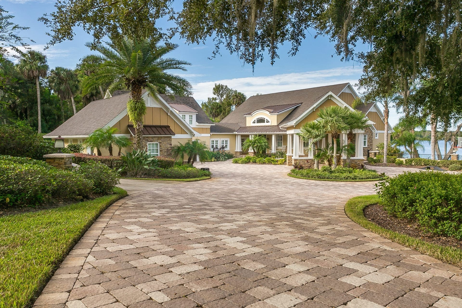 What To Know Before Buying a Waterfront Property