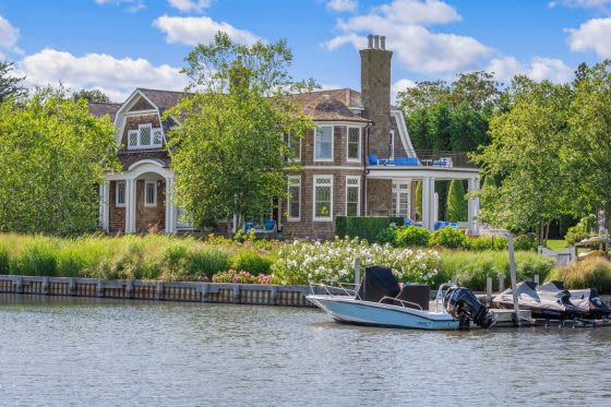 These 5 Homes with Private Docks Will Really Float Your Boat