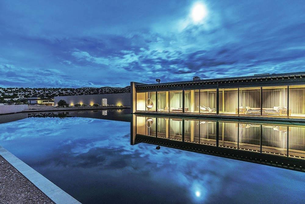 Santa Fe Real Estate News: Tom Ford's Ranch Sells!