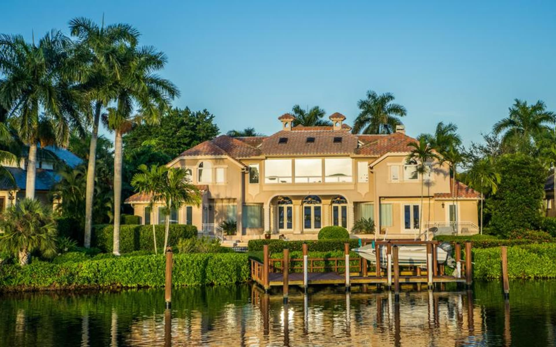 10 Things to Consider Before Buying a Naples Home