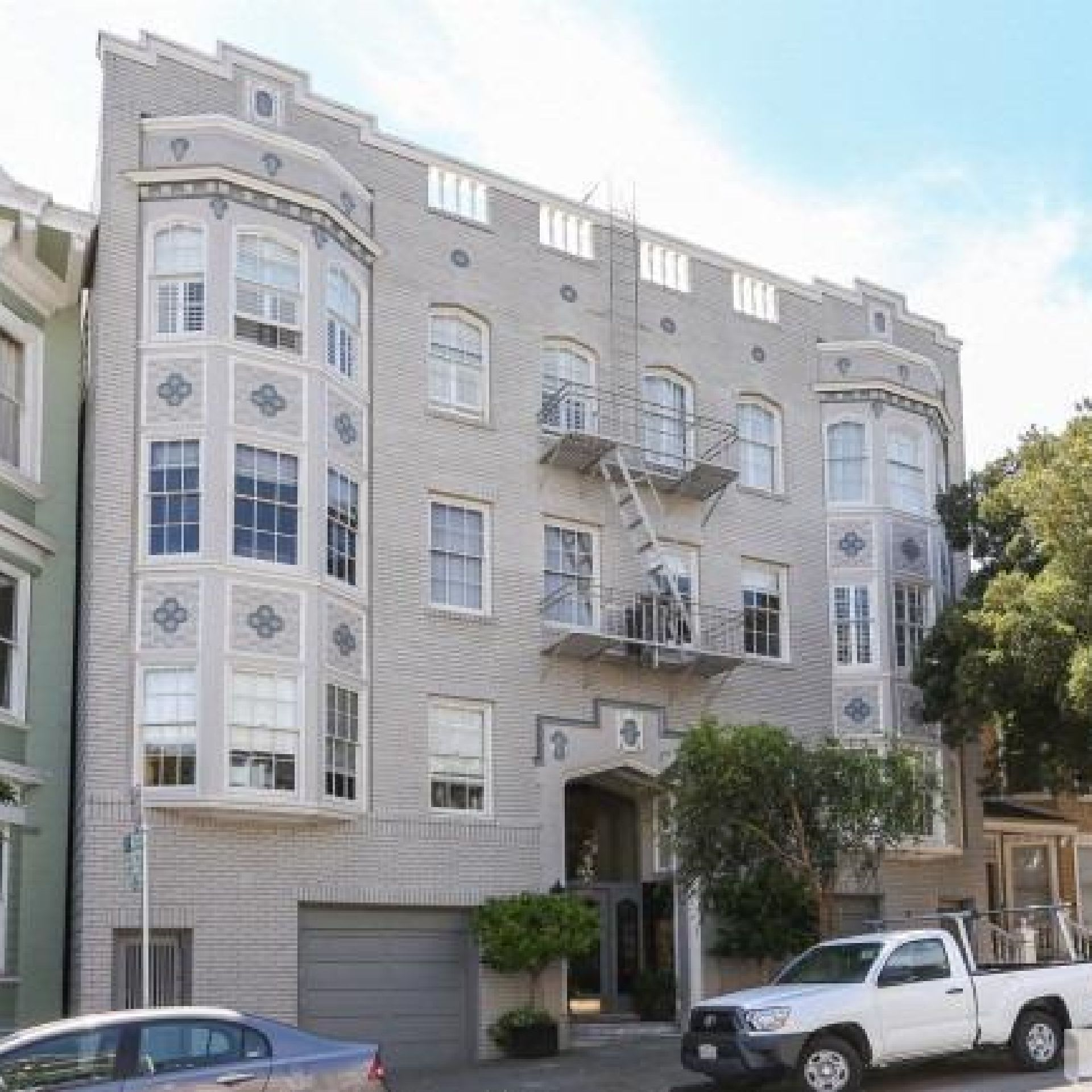 2BR/1BA unit in Pacific Heights