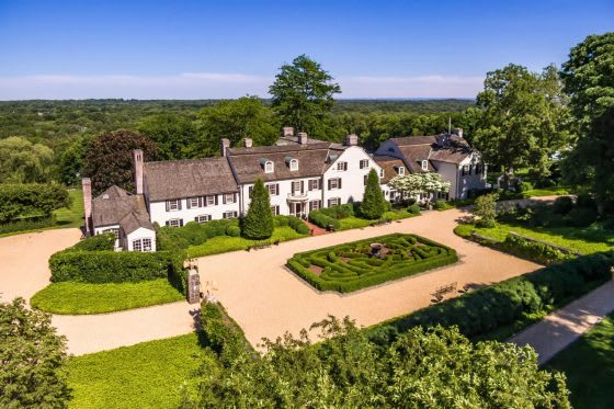 The Lush Life: 5 Homes with Glorious Gardens