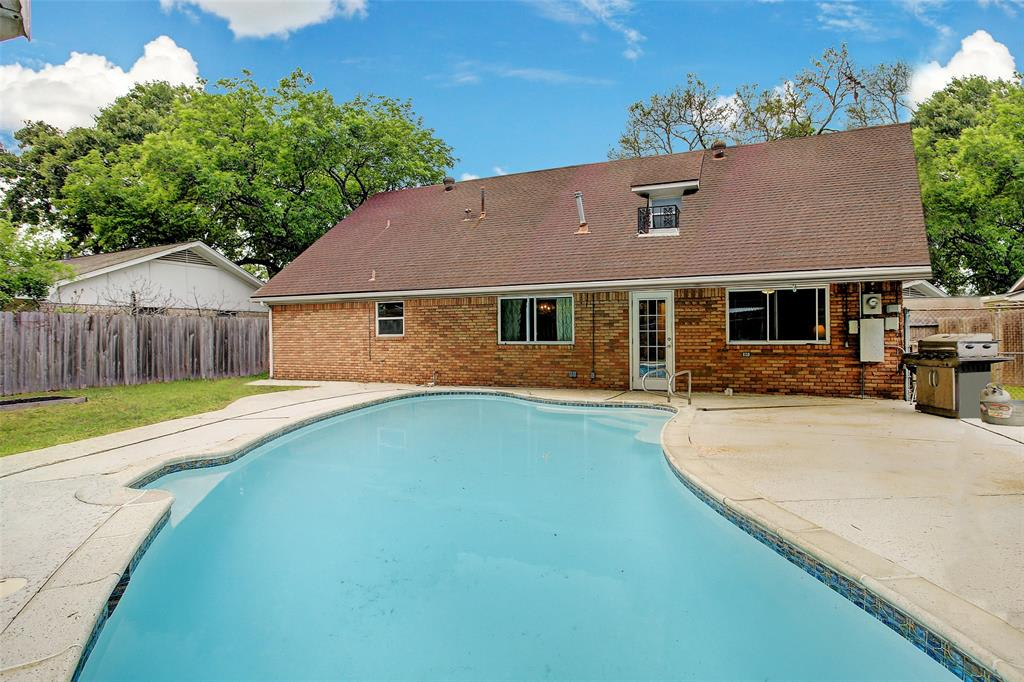 2410 Willowby Dr photo