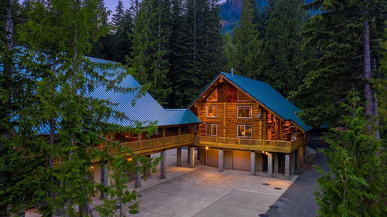Luxurious Kachess Lake Retreat video preview