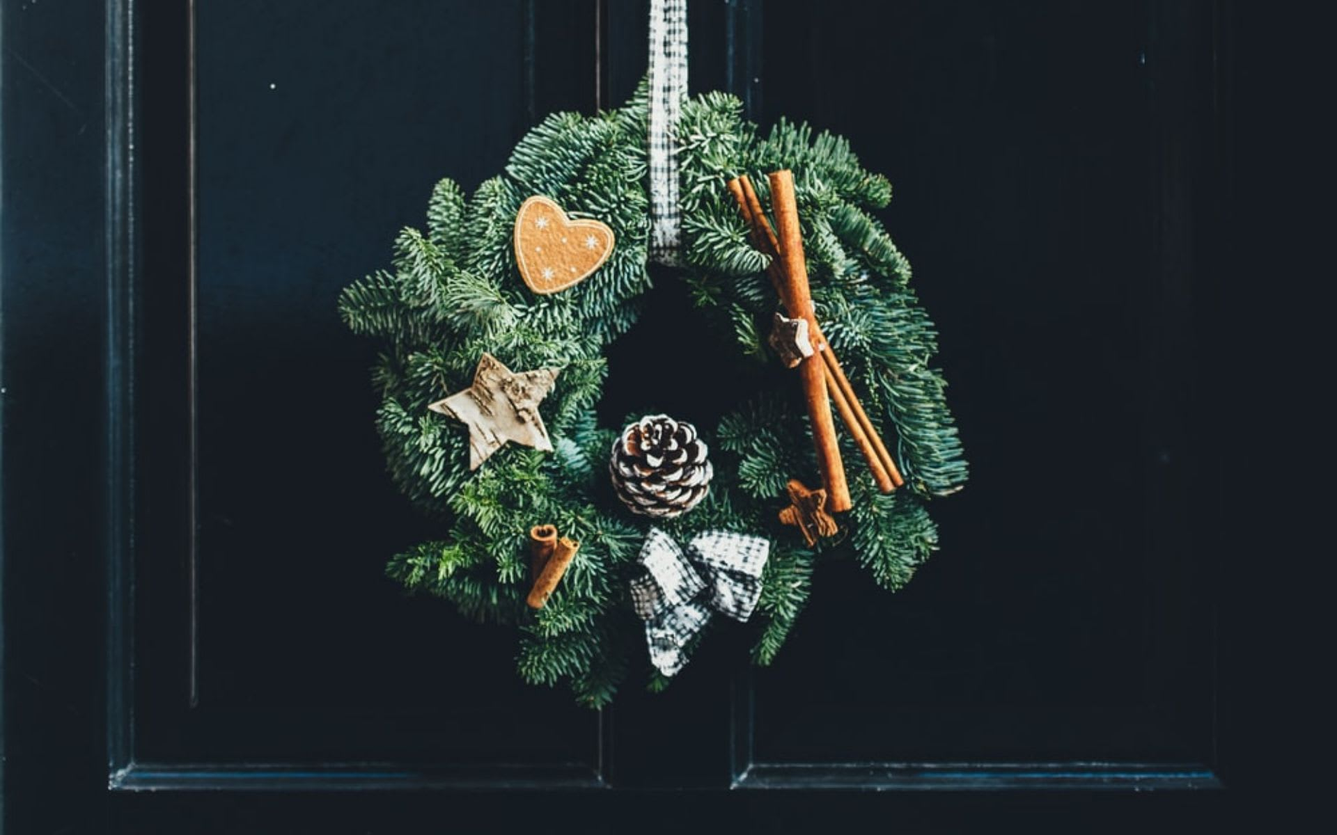 Festive Wreaths and Garlands at Home