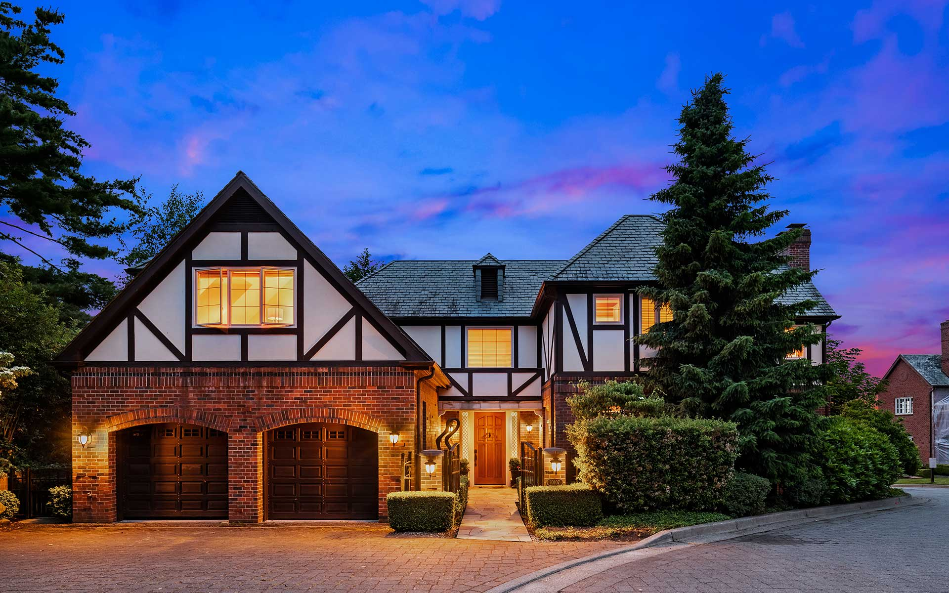 The Kirkland Lifestyle in a Luxury View Setting photo