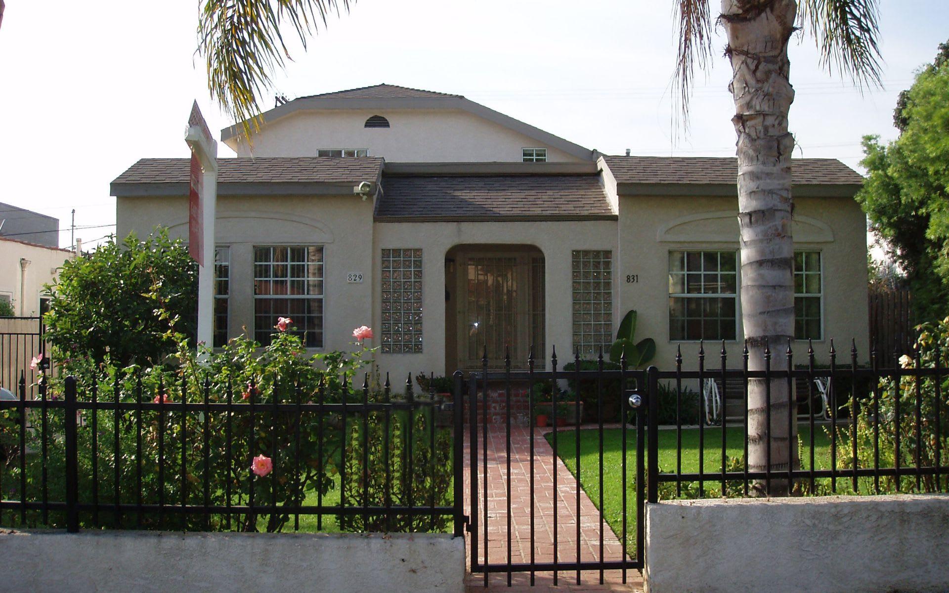 829 N Orange Grove Ave photo