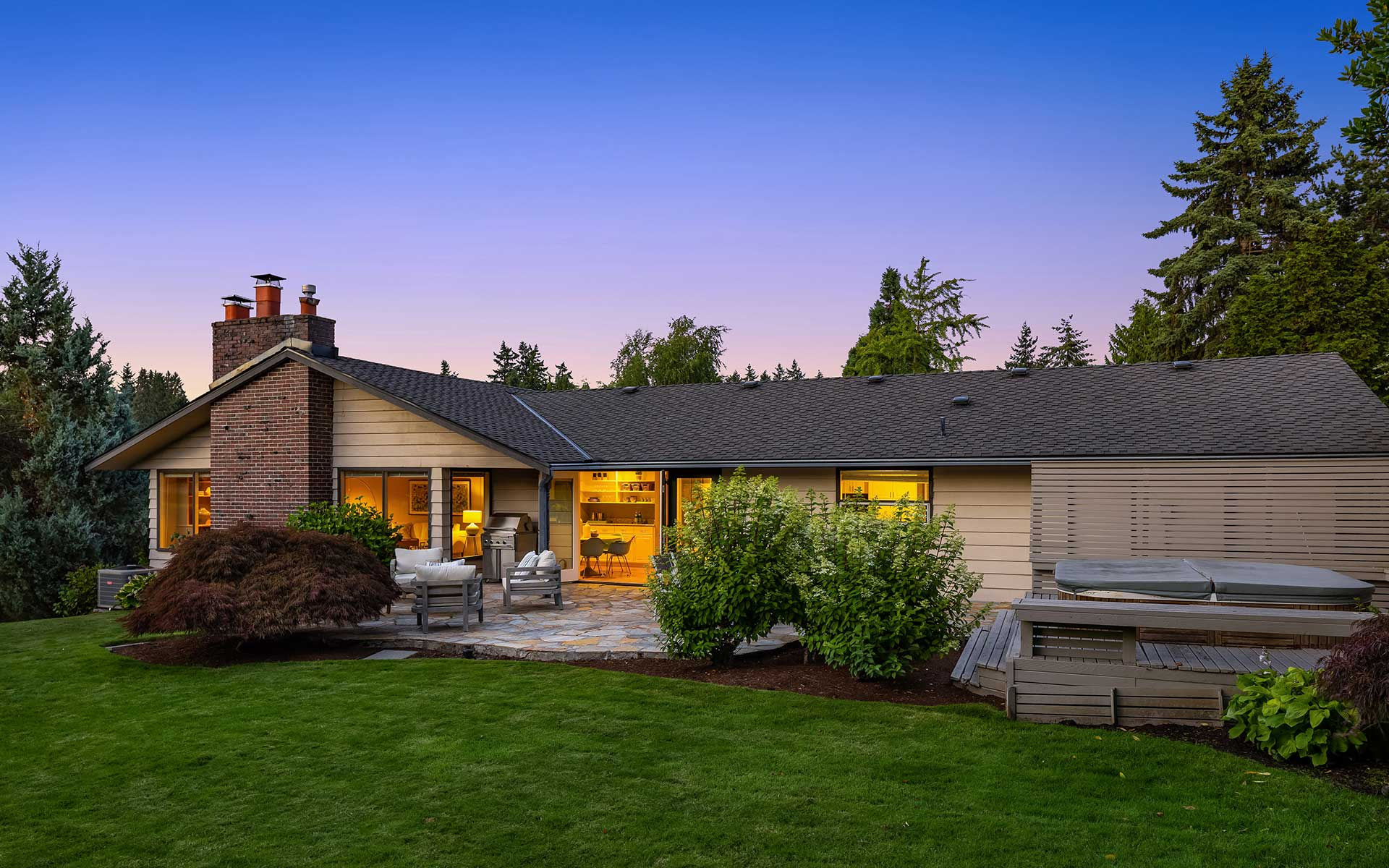 Style, Privacy & Mid-Century Appeal in the Heart of Medina photo