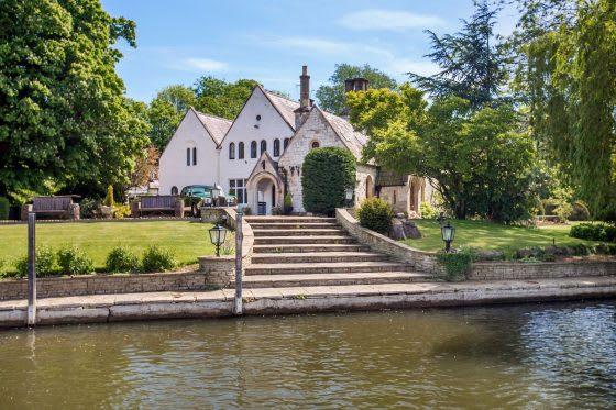 Luxury Real Estate Headlines: First Week in March 2021