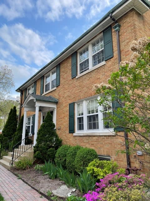 256 Forest Avenue photo