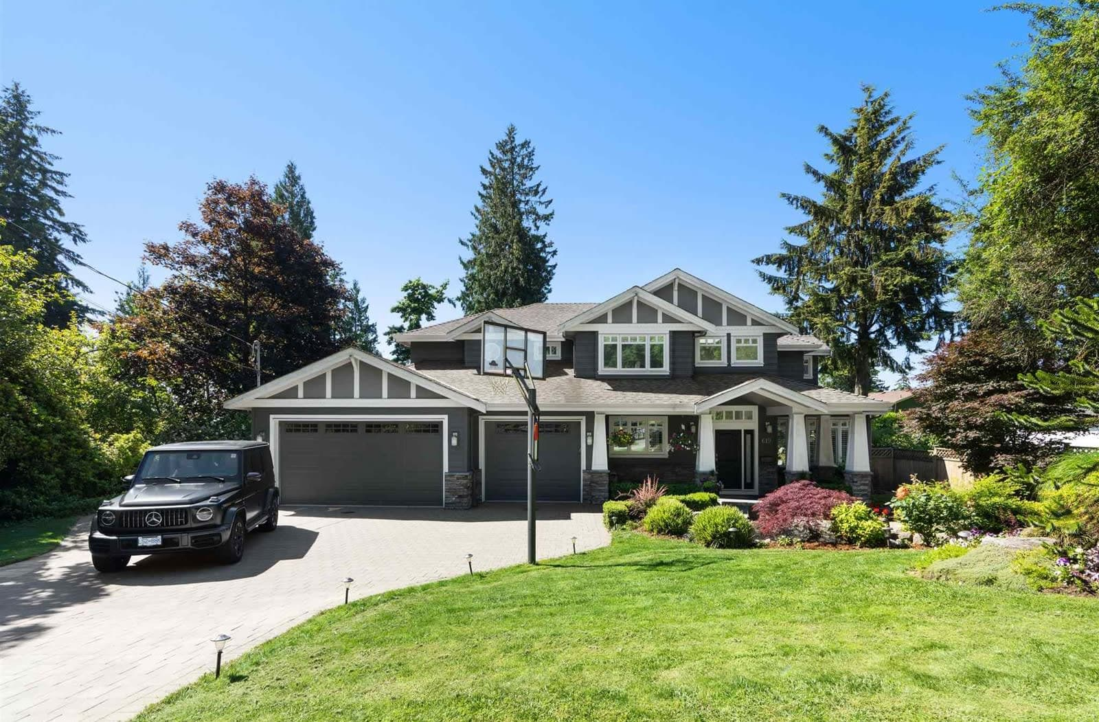 619 E Queens Road, North Vancouver video preview