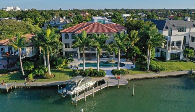 Prime View in Sarasota's Harbor Acres