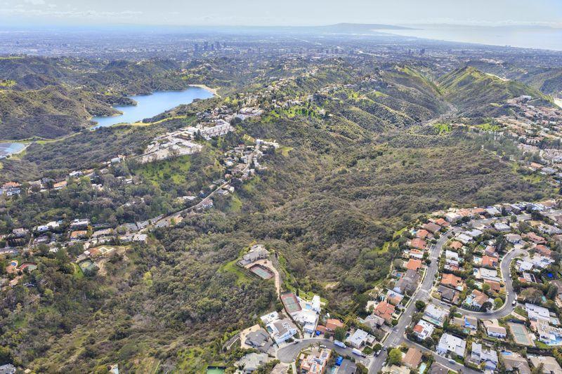Property In La