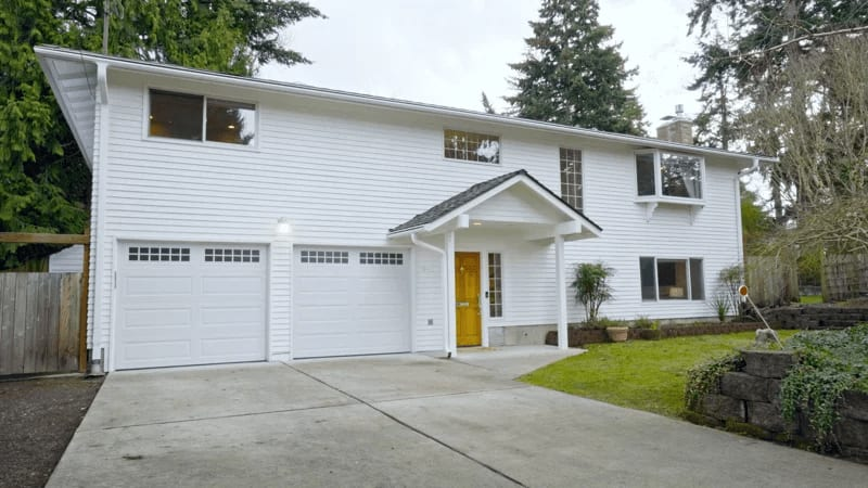 """7116 82nd Ave SE """"Light & Bright Traditional"""" video preview"""