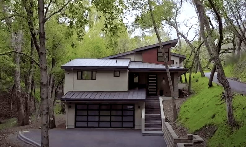 19 Highland Ave. video preview