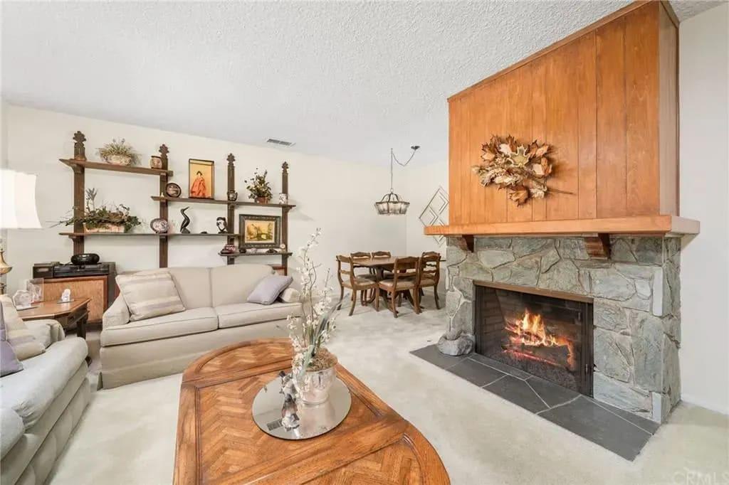 1612 Oak Tree Place photo