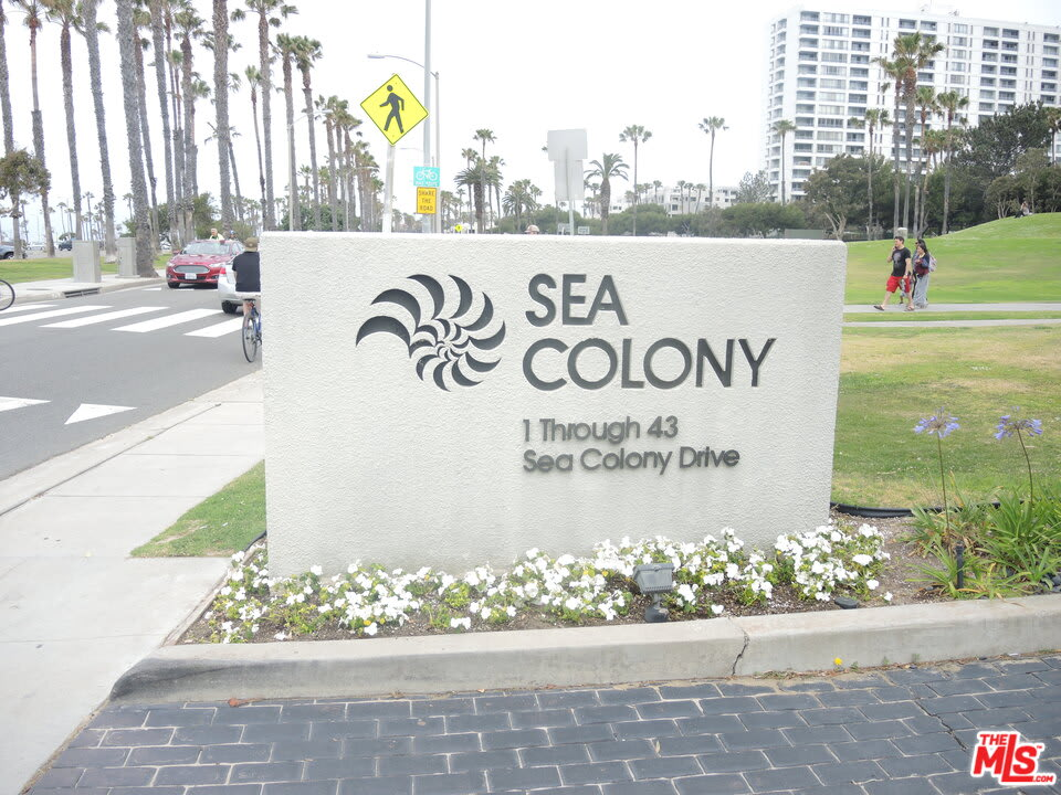 42 Sea Colony Dr photo