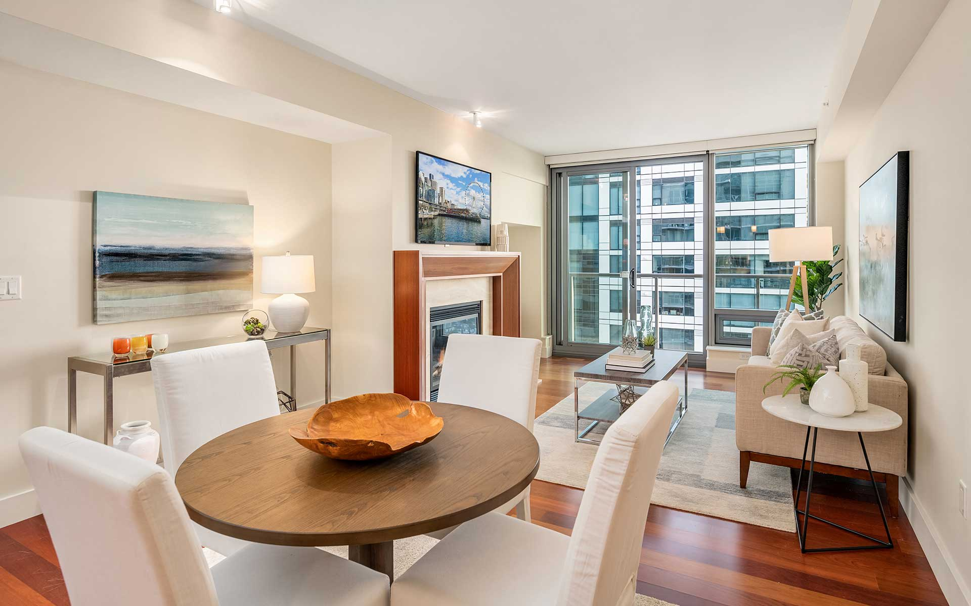 Luxury & Amenities in the Heart of the City photo