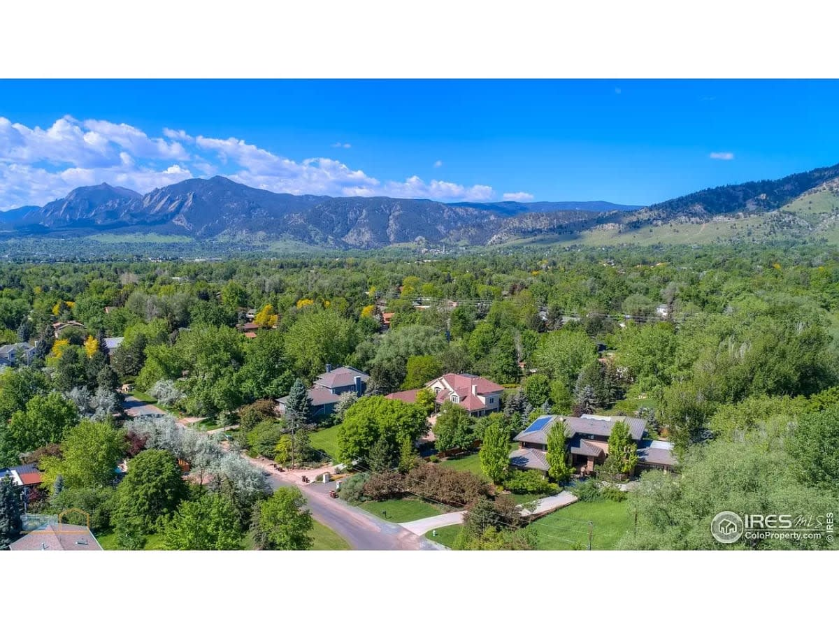 8 Best Luxury Communities in Boulder