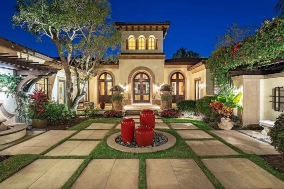 Design Essentials   Courtyards