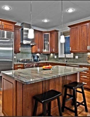 1035 W. Monroe Property Brochure image