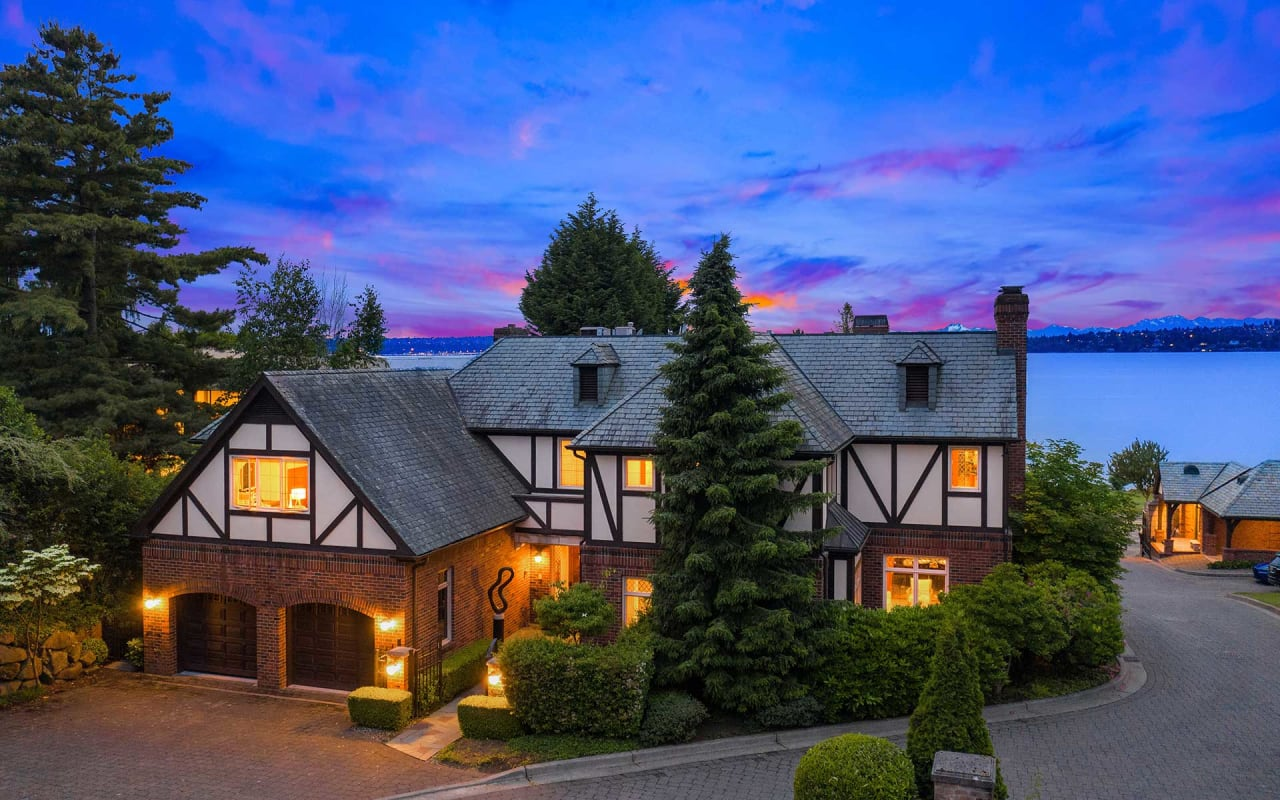 The Kirkland Lifestyle in a Luxury View Setting