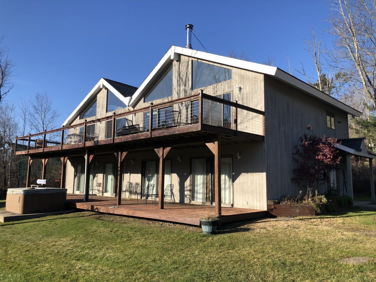 Beautifully Updated Contemporary With Views Of Hunter Mountain's Slopes!
